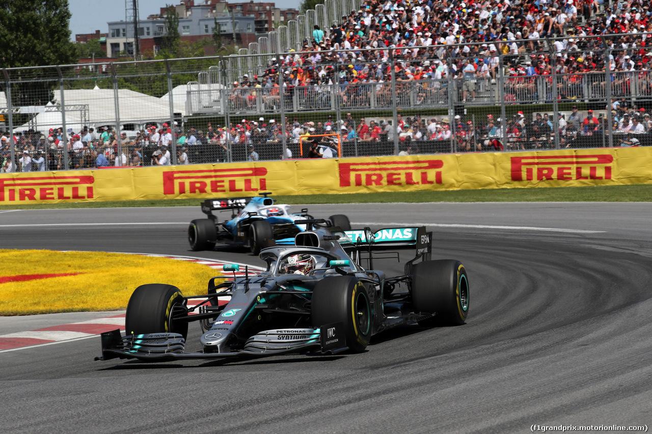 GP CANADA, 09.06.2019 - Gara, Lewis Hamilton (GBR) Mercedes AMG F1 W10 davanti a George Russell (GBR) Williams Racing FW42