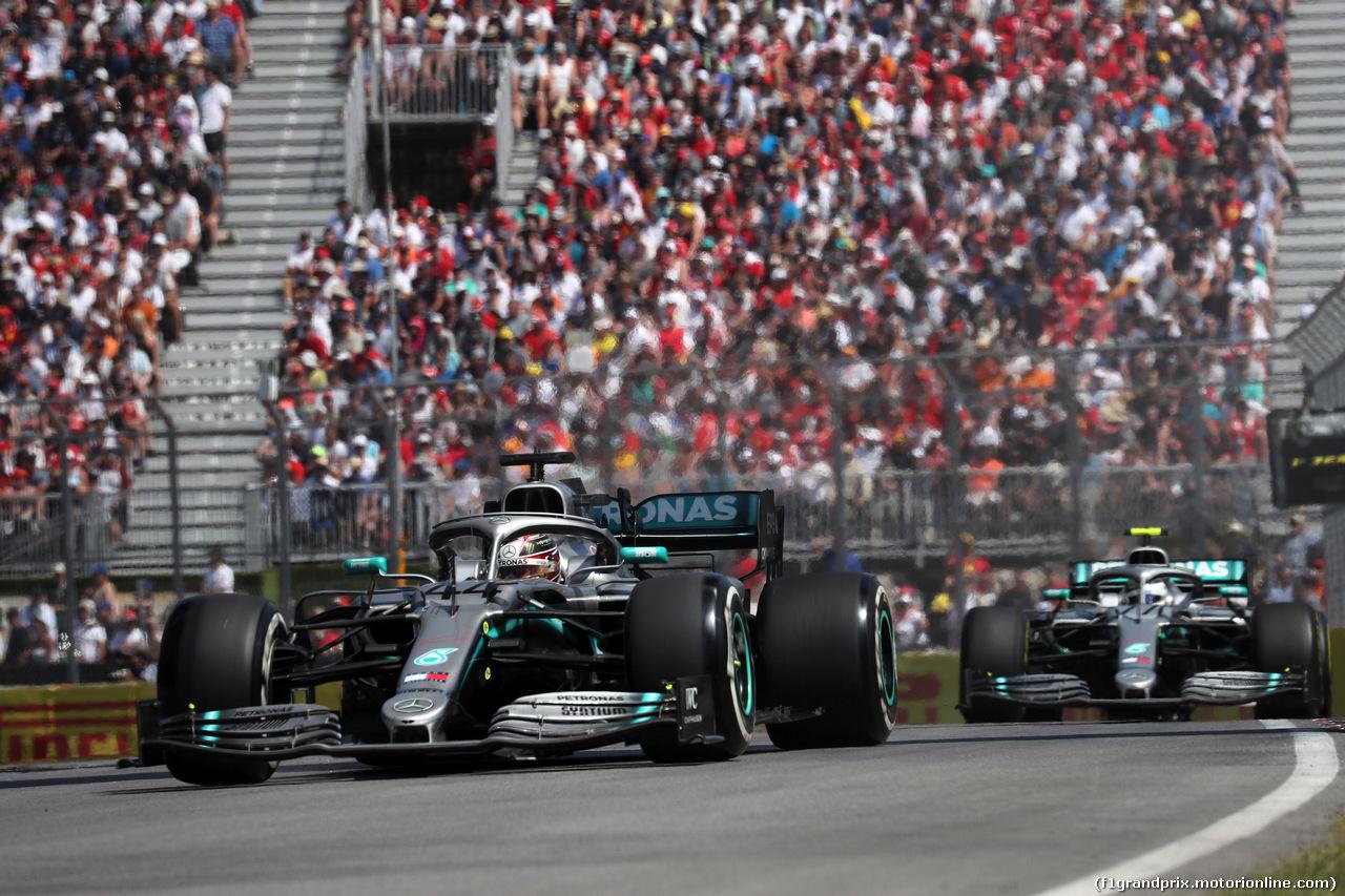 GP CANADA, 09.06.2019 - Gara, Lewis Hamilton (GBR) Mercedes AMG F1 W10 davanti a Valtteri Bottas (FIN) Mercedes AMG F1 W010