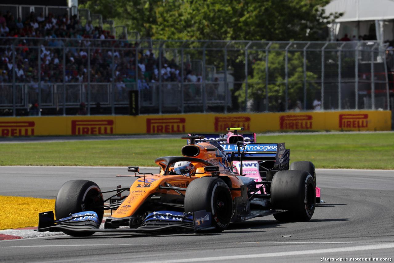 GP CANADA, 09.06.2019 - Gara, Carlos Sainz Jr (ESP) Mclaren F1 Team MCL34 davanti a Lance Stroll (CDN) Racing Point F1 Team RP19