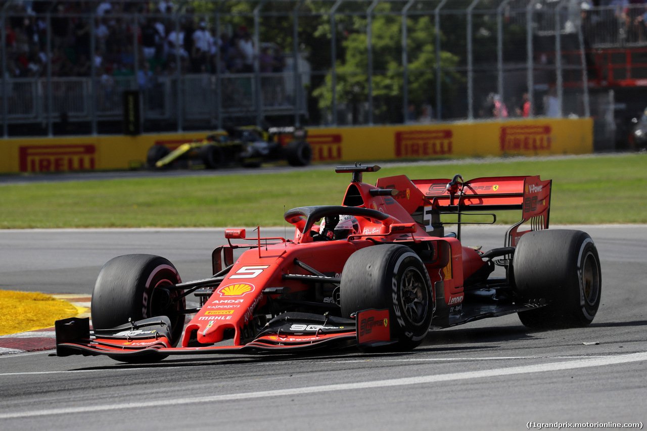 GP CANADA, 09.06.2019 - Gara, 2nd place Sebastian Vettel (GER) Ferrari SF90 waves to the fans