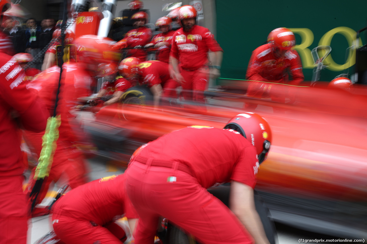 GP CINA, 14.04.2019- Ferrari Pit stop training