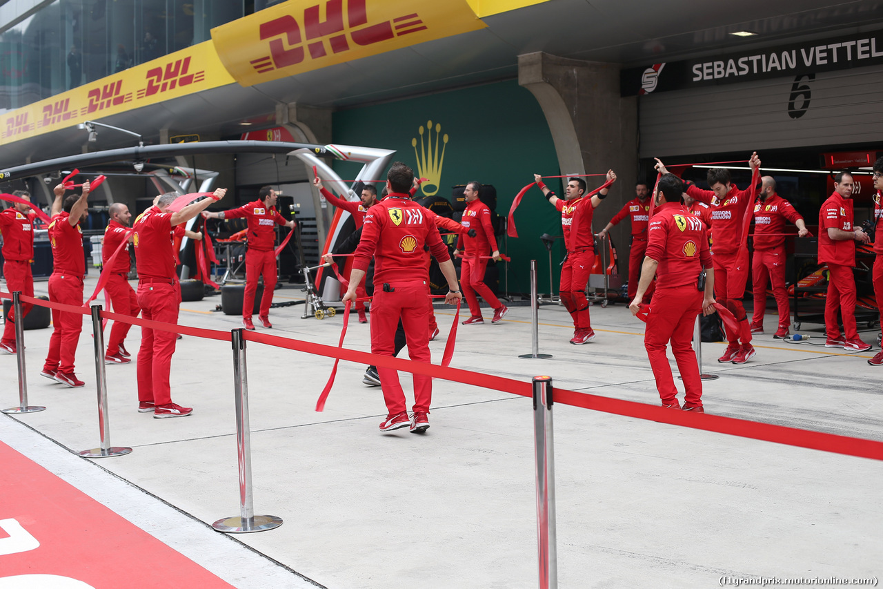 GP CINA, 14.04.2019- Ferrari Mechanics doing fitness activity  before the race