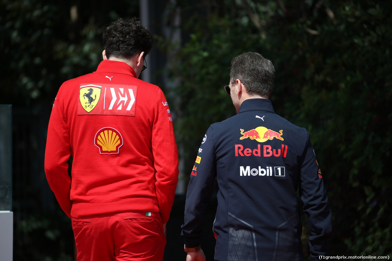 GP CINA, 13.04.2019- Christian Horner (GBR), Red Bull Racing, Sporting Director  e Mattia Binotto (ITA) Ferrari Team Principal