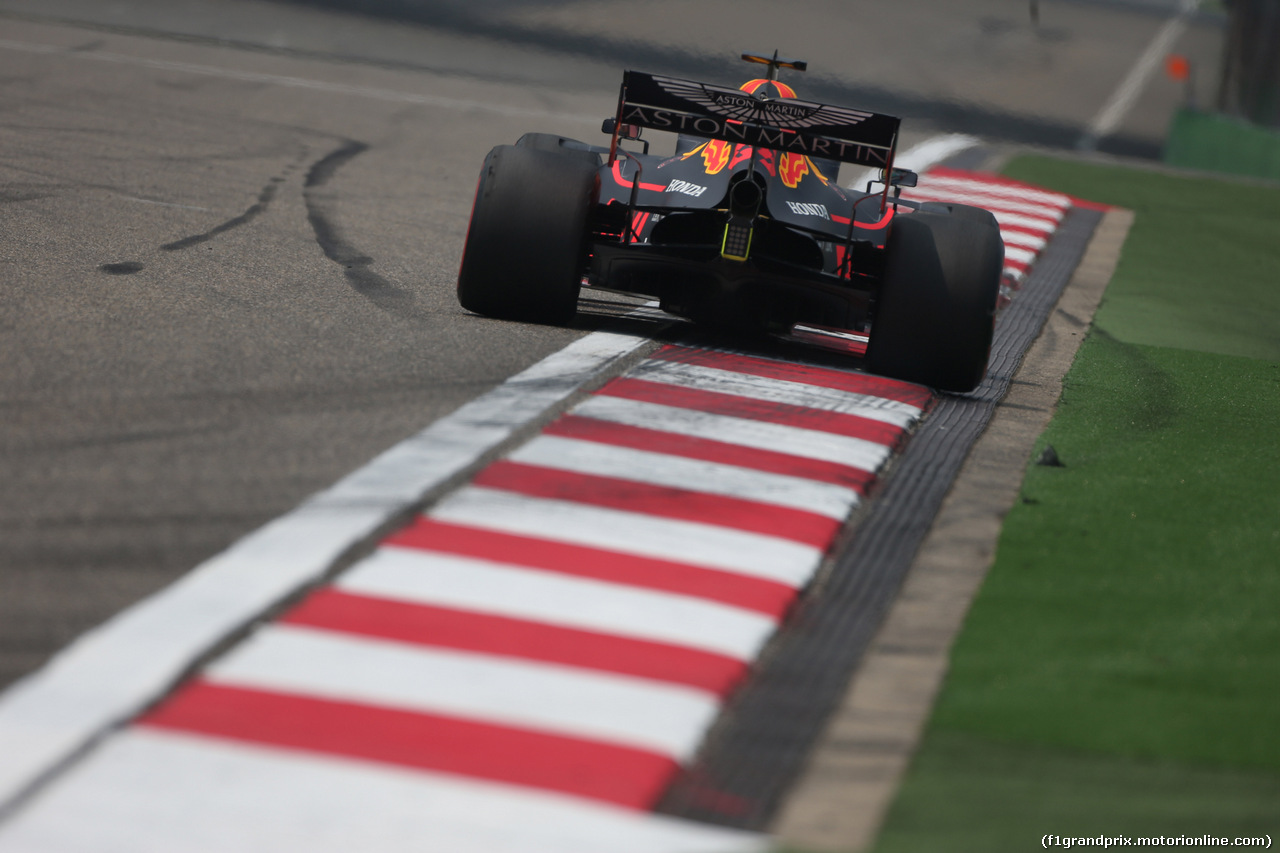 GP CINA, 12.04.2019- Prove Libere 1, Max Verstappen (NED) Red Bull Racing RB15