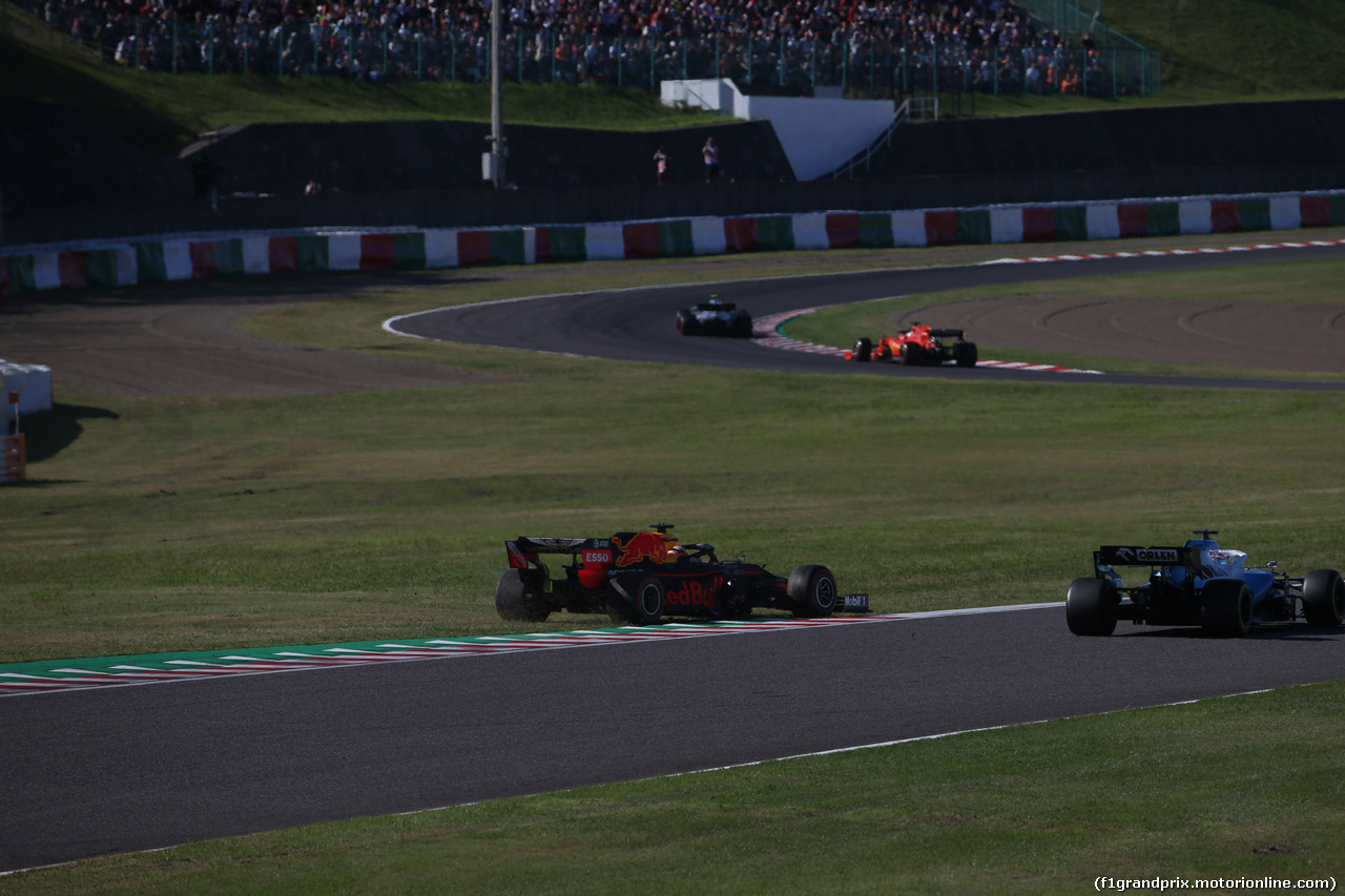 GP GIAPPONE, 13.10.2019- Gara, Max Verstappen (NED) Red Bull Racing RB15 crash