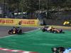 GP GIAPPONE, 13.10.2019- Gara, Lando Norris (GBR) Mclaren F1 Team MCL34 e Alexader Albon (THA) Redbull Racing RB15