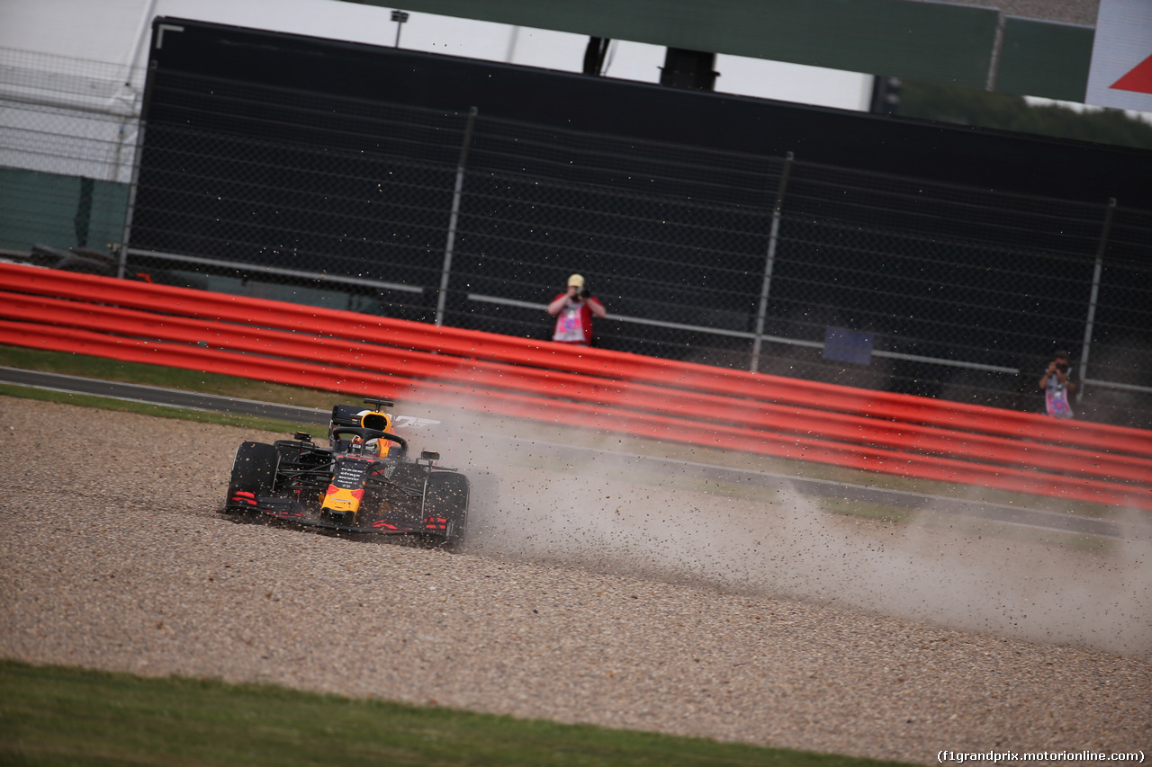 GP GRAN BRETAGNA, 14.07.2019- Gara, Max Verstappen (NED) Red Bull Racing RB15 in the gravel after the crash with Sebastian Vettel (GER) Ferrari SF90