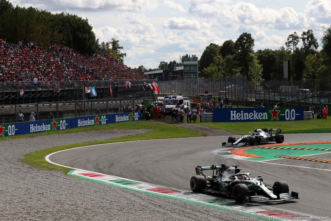 GP ITALIA, 08.09.2019 - Gara, Lewis Hamilton (GBR) Mercedes AMG F1 W10 e Valtteri Bottas (FIN) Mercedes AMG F1 W010