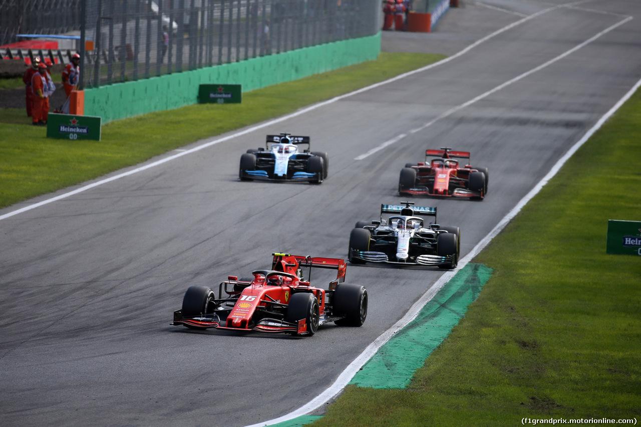 GP ITALIA, 08.09.2019 - Gara, Charles Leclerc (MON) Ferrari SF90 davanti a Lewis Hamilton (GBR) Mercedes AMG F1 W10 e Sebastian Vettel (GER) Ferrari SF90