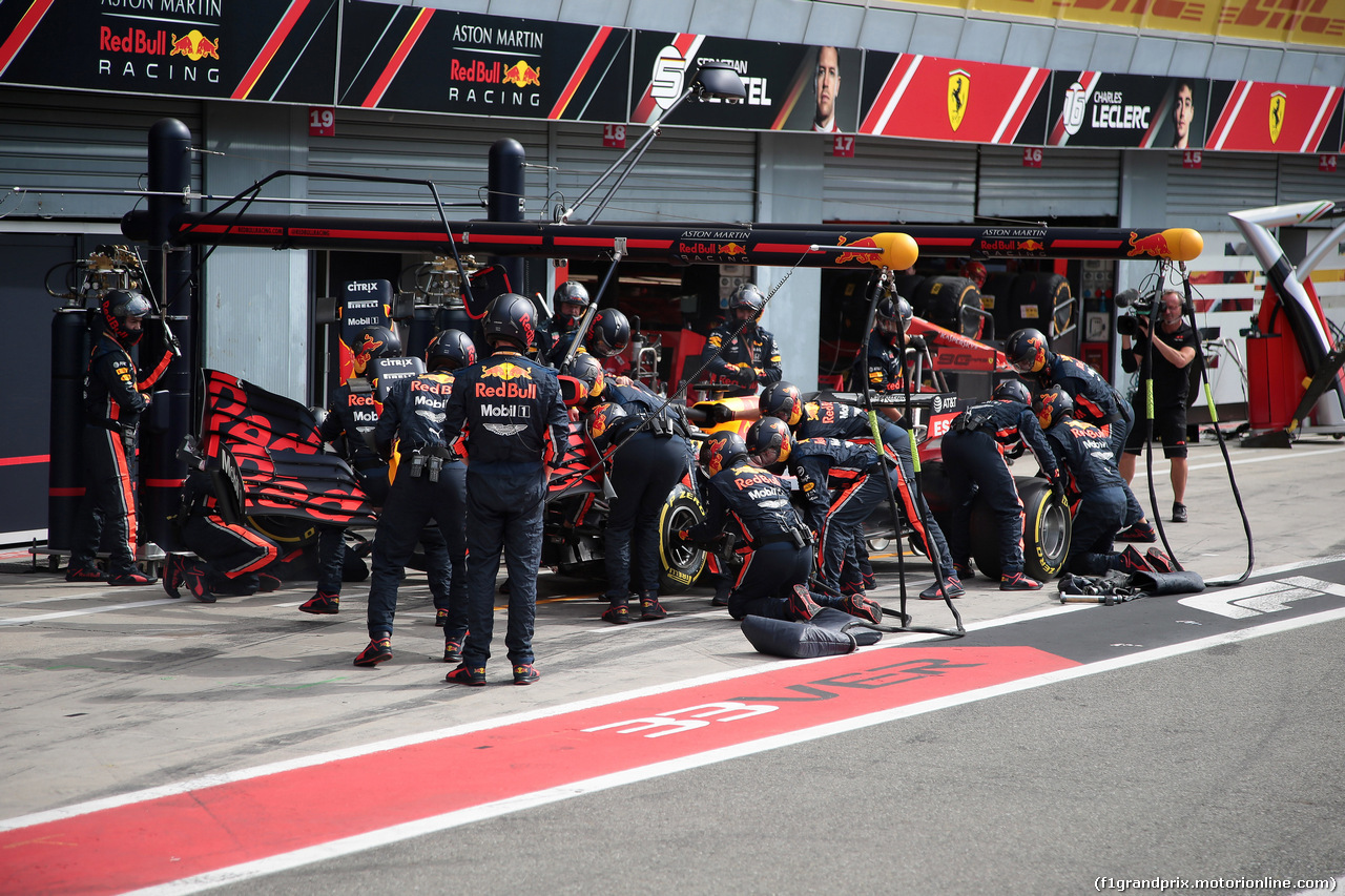 GP ITALIA, 08.09.2019 - Gara, Pit stop, Max Verstappen (NED) Red Bull Racing RB15