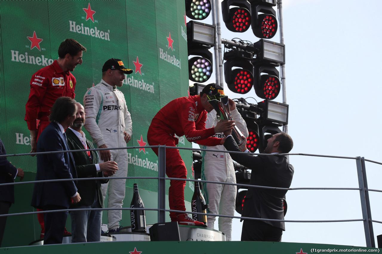 GP ITALIA, 08.09.2019 - Gara, Charles Leclerc (MON) Ferrari SF90 vincitore with Vincenzo Spatafora (ITA) ministro dello Sport e delle Politiche giovanili.