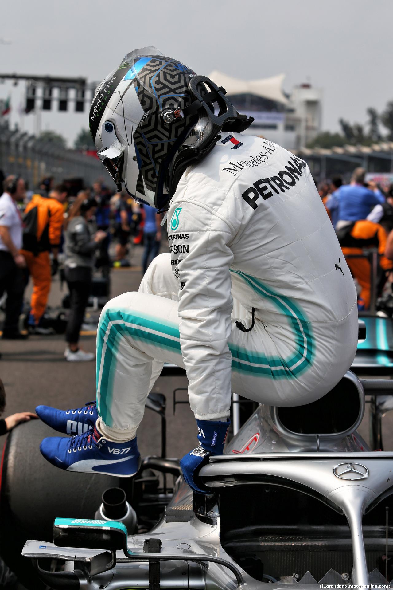GP MESSICO, Valtteri Bottas (FIN) Mercedes AMG F1 W10 on the grid. 27.10.2019.