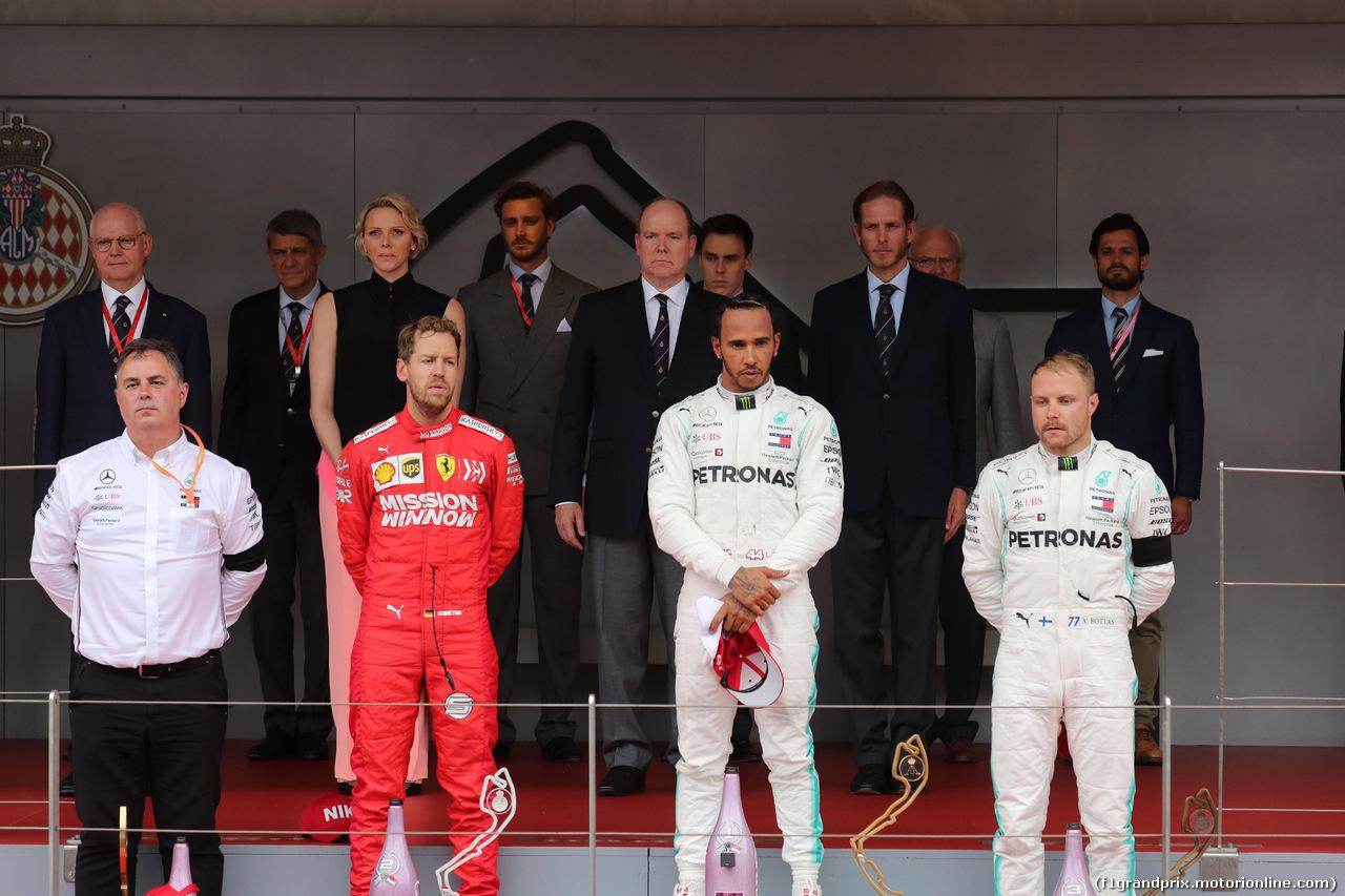 GP MONACO, 26.05.2019 - Gara, 2nd place Sebastian Vettel (GER) Ferrari SF90, Lewis Hamilton (GBR) Mercedes AMG F1 W10 vincitore e 3rd place Valtteri Bottas (FIN) Mercedes AMG F1 W010