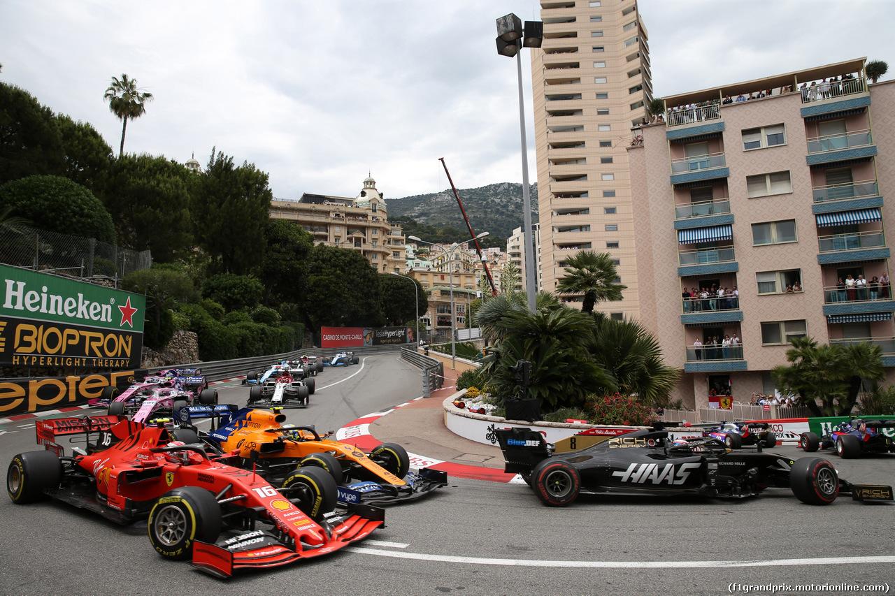 GP MONACO, 26.05.2019 - Gara, Charles Leclerc (MON) Ferrari SF90 e Lando Norris (GBR) Mclaren F1 Team MCL34