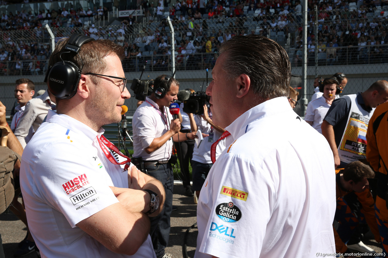 GP RUSSIA, 29.09.2019- grid, Andreas Seidl (GER) McLaren Managing Director with Zak Brown (USA) McLaren Executive Director