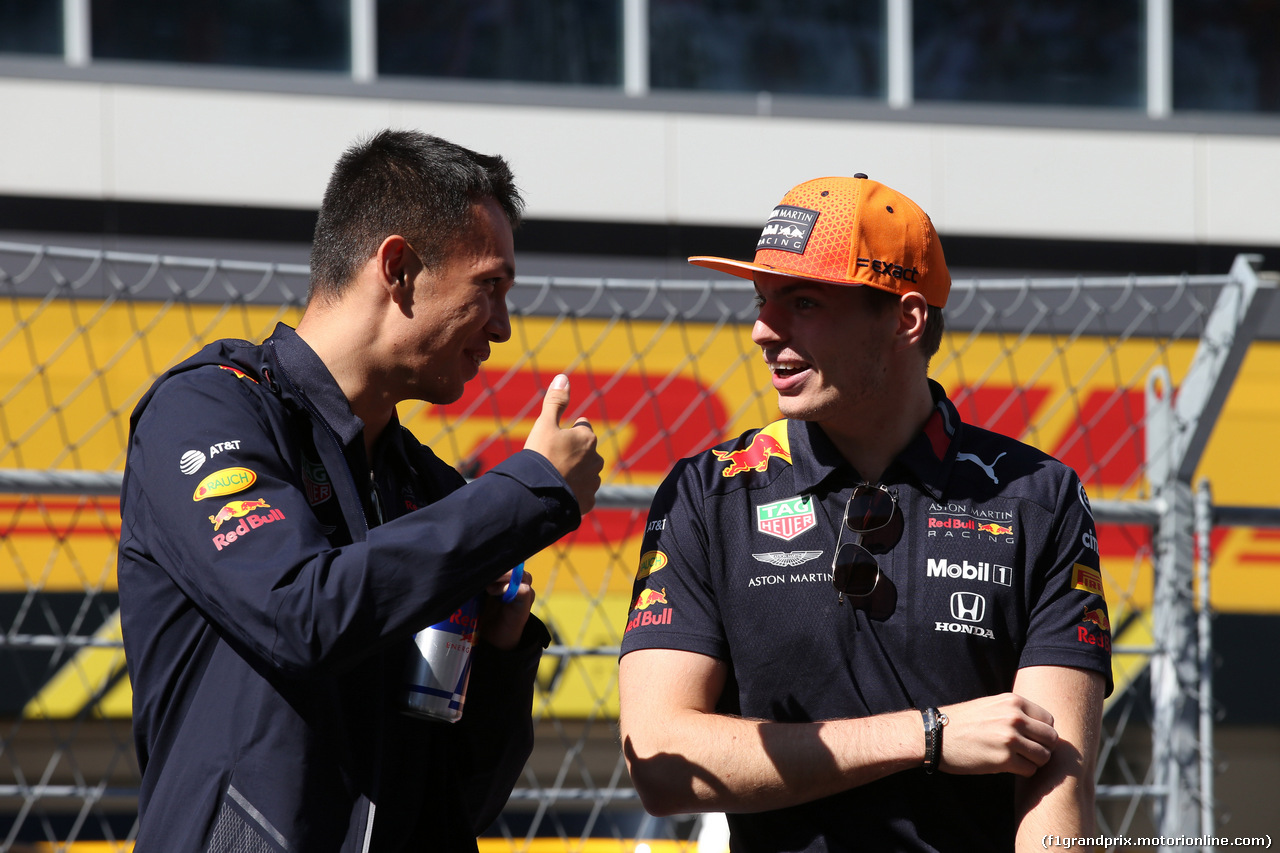 GP RUSSIA, 29.09.2019- driver parade, Max Verstappen (NED) Red Bull Racing RB15 e Alexader Albon (THA) Redbull Racing RB15