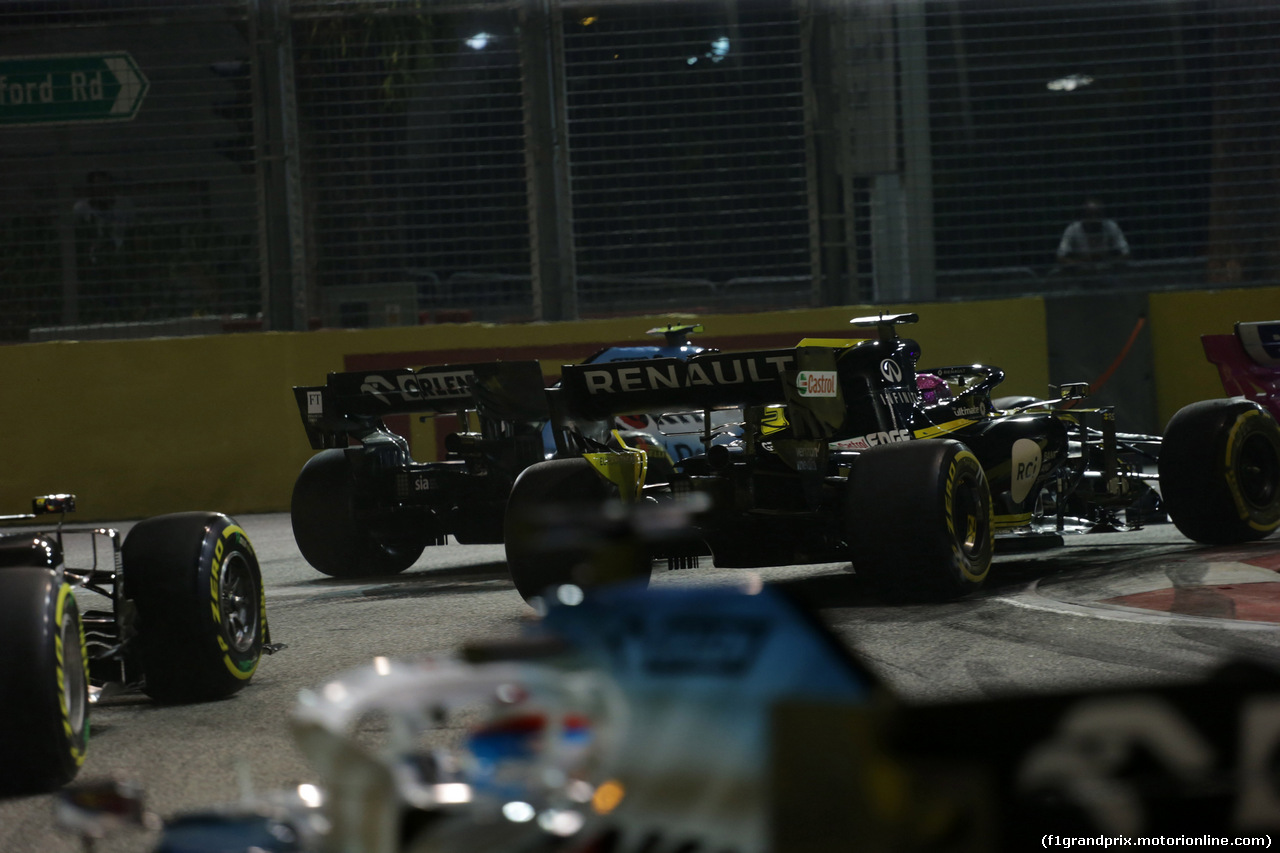 GP SINGAPORE, 22.09.2019 - Gara, Robert Kubica (POL) Williams Racing FW42 e Daniel Ricciardo (AUS) Renault Sport F1 Team RS19