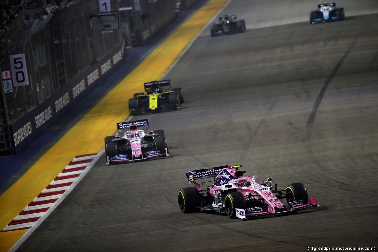 GP SINGAPORE, 22.09.2019 - Gara, Lance Stroll (CDN) Racing Point F1 Team RP19 davanti a Sergio Perez (MEX) Racing Point F1 Team RP19
