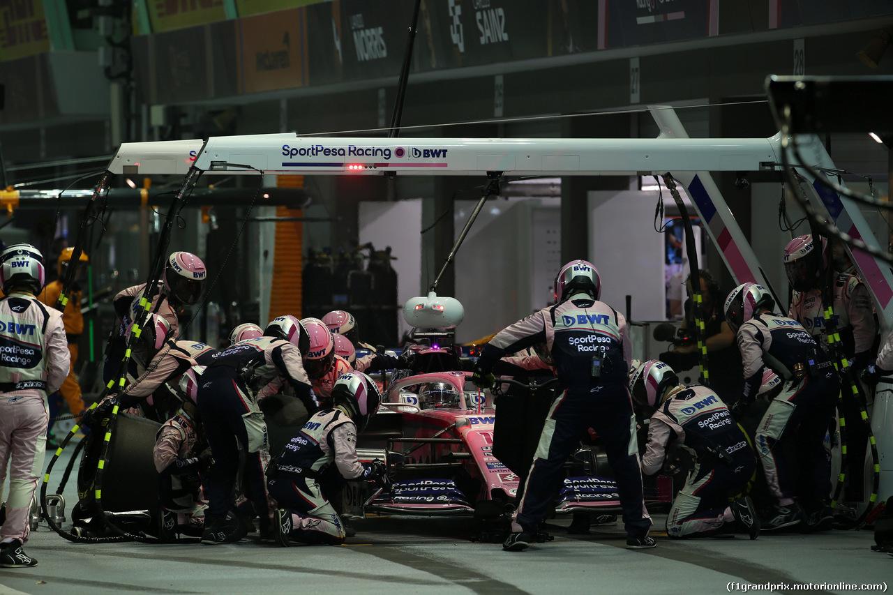 GP SINGAPORE, 22.09.2019 - Gara, Pit stop, Sergio Perez (MEX) Racing Point F1 Team RP19
