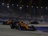 GP SINGAPORE, 22.09.2019 - Gara, Lando Norris (GBR) Mclaren F1 Team MCL34 davanti a Carlos Sainz Jr (ESP) Mclaren F1 Team MCL34