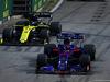 GP SINGAPORE, 22.09.2019 - Gara, Daniel Ricciardo (AUS) Renault Sport F1 Team RS19 e Daniil Kvyat (RUS) Scuderia Toro Rosso STR14