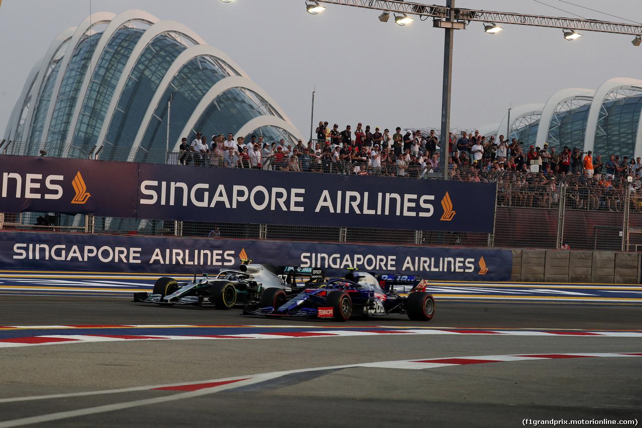 GP SINGAPORE, 21.09.2019 - Prove Libere 3, Valtteri Bottas (FIN) Mercedes AMG F1 W010 e Pierre Gasly (FRA) Scuderia Toro Rosso STR14