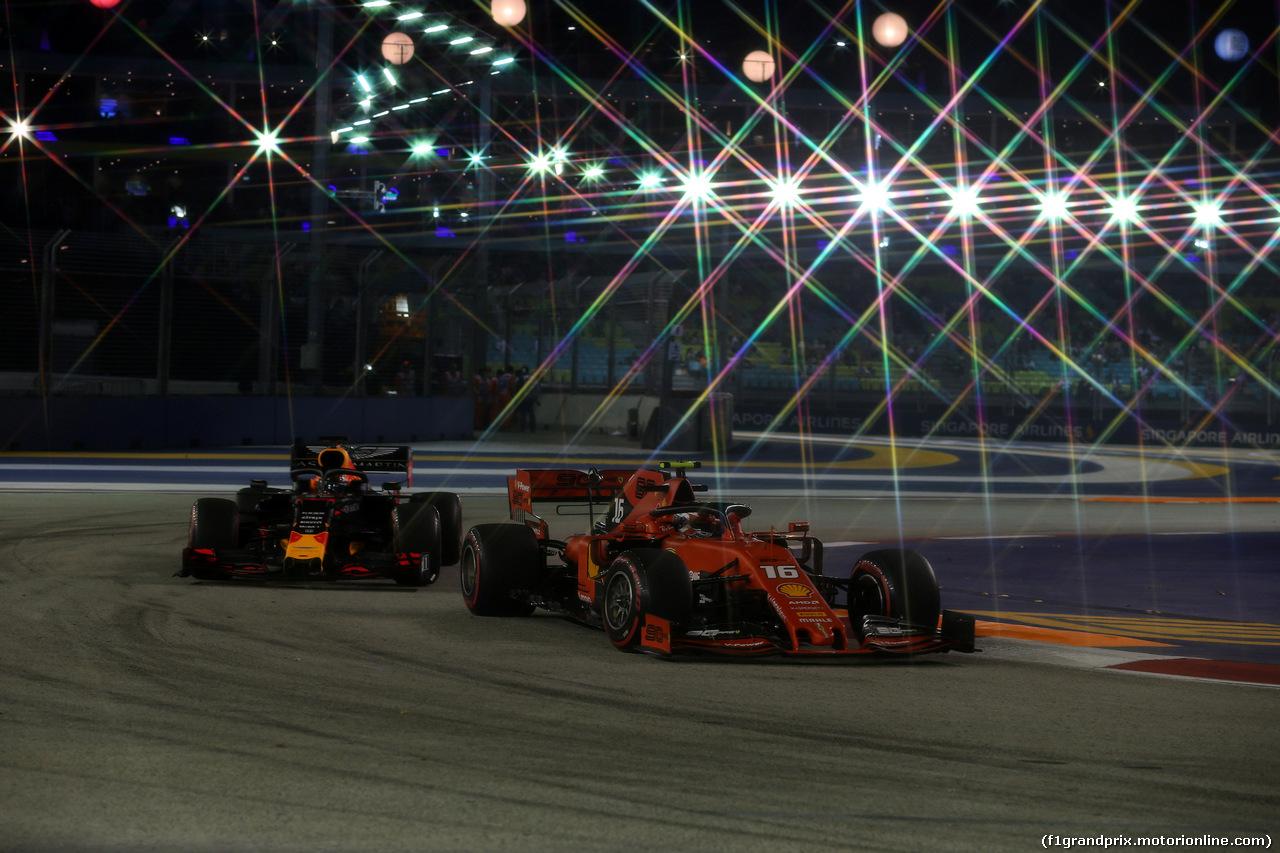 GP SINGAPORE, 20.09.2019 - Prove Libere 2, Max Verstappen (NED) Red Bull Racing RB15 e Charles Leclerc (MON) Ferrari SF90
