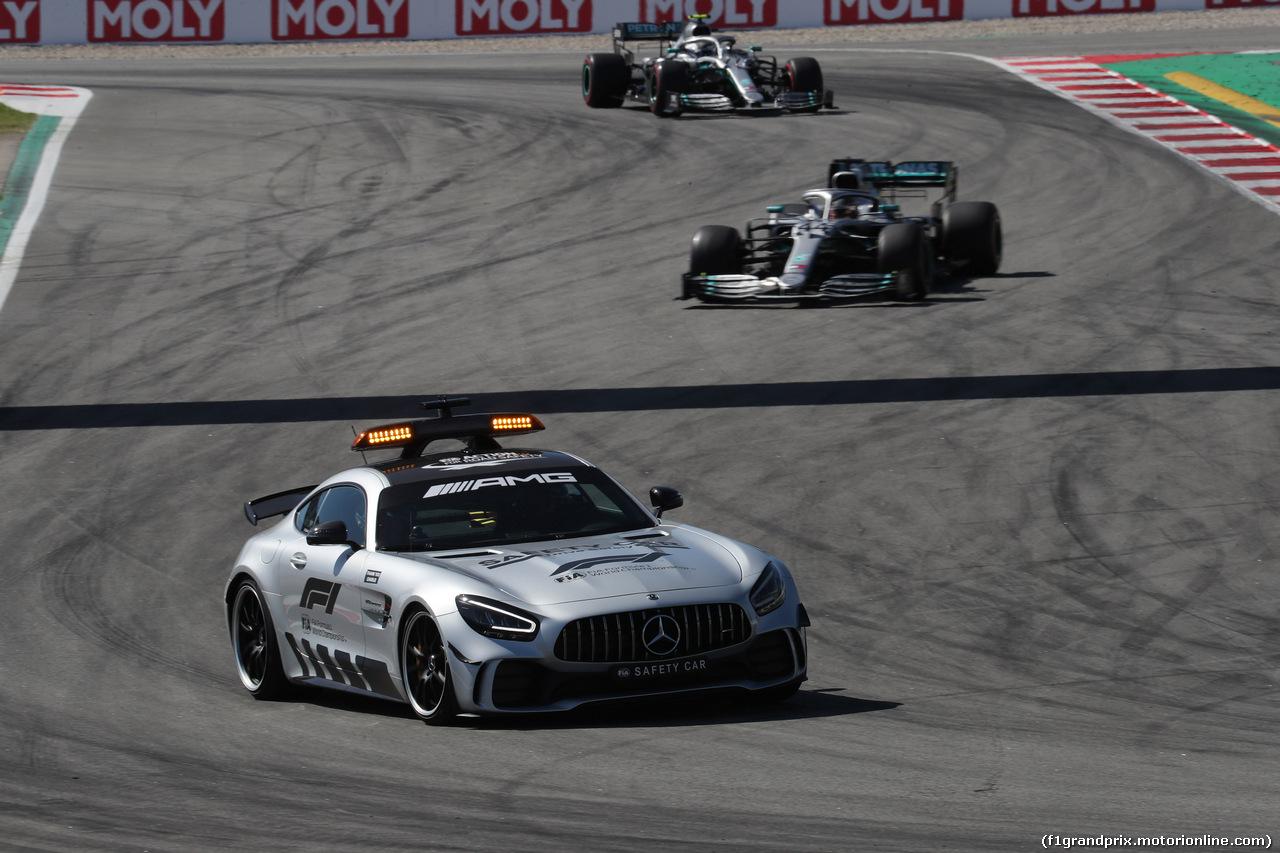 GP SPAGNA, 12.05.2019 - Gara, The Safety car e Lewis Hamilton (GBR) Mercedes AMG F1 W10