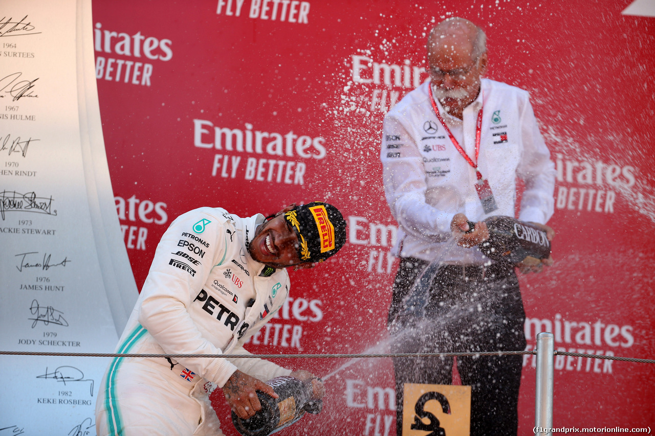 GP SPAGNA, 12.05.2019 - Gara, Lewis Hamilton (GBR) Mercedes AMG F1 W10 vincitore e Dr. Dieter Zetsche, Chairman of Daimler