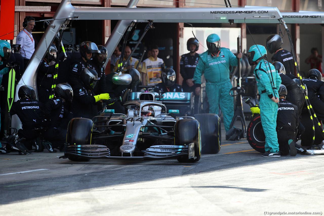 GP SPAGNA, 12.05.2019 - Gara, Pit stop, Lewis Hamilton (GBR) Mercedes AMG F1 W10