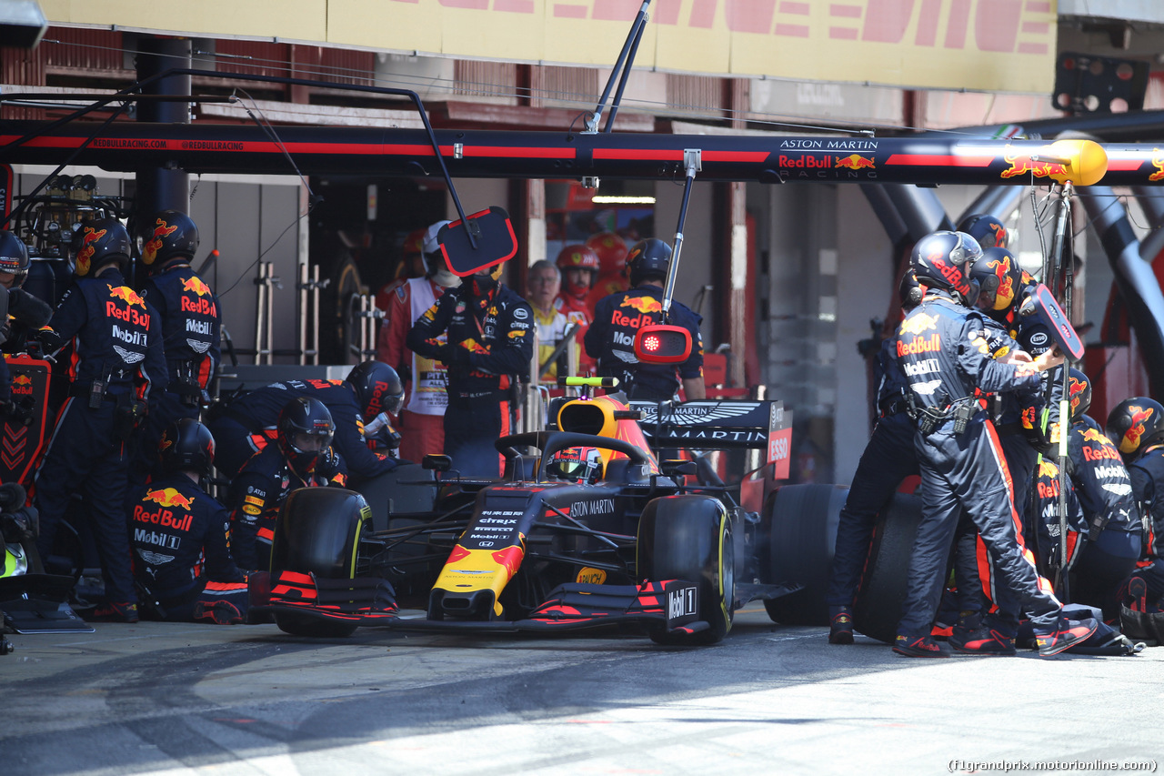 GP SPAGNA, 12.05.2019 - Gara, Pit stop, Pierre Gasly (FRA) Red Bull Racing RB15