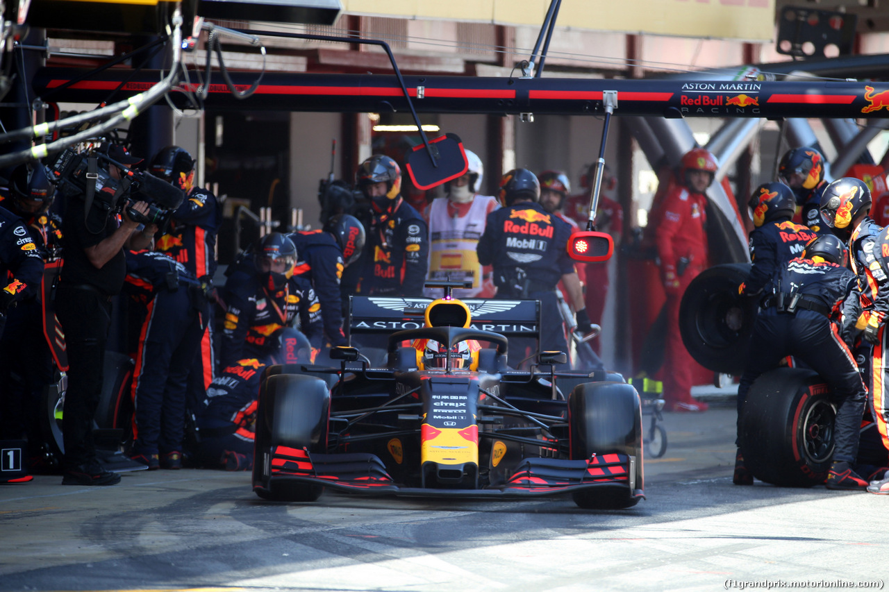 GP SPAGNA, 12.05.2019 - Gara, Pit stop, Max Verstappen (NED) Red Bull Racing RB15