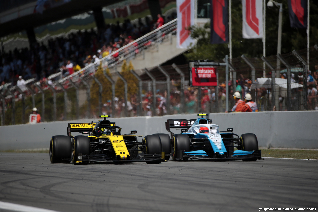 GP SPAGNA, 12.05.2019 - Gara, Nico Hulkenberg (GER) Renault Sport F1 Team RS19 e George Russell (GBR) Williams Racing FW42