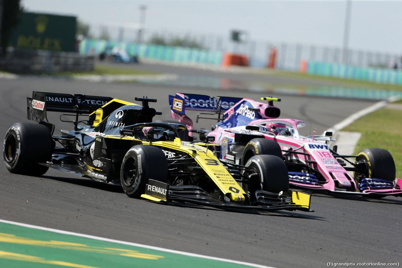 GP UNGHERIA, 04.08.2019 - Gara, Daniel Ricciardo (AUS) Renault Sport F1 Team RS19 e Lance Stroll (CDN) Racing Point F1 Team RP19