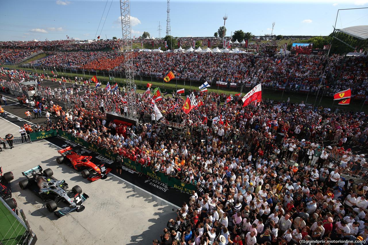 GP UNGHERIA, 04.08.2019 - Gara, Lewis Hamilton (GBR) Mercedes AMG F1 W10 vincitore e 3rd place Sebastian Vettel (GER) Ferrari SF90