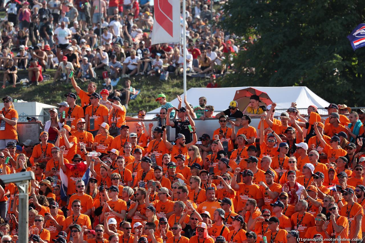 GP UNGHERIA, 04.08.2019 - Gara, Fans of Max Verstappen (NED) Red Bull Racing RB15