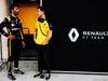 TEST F1 BAHRAIN 2 APRILE, (L to R): Daniel Ricciardo (AUS) Renault F1 Team with Jack Aitken (GBR) / (KOR) Renault F1 Team Test Driver. 02.04.2019.