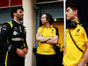 TEST F1 BAHRAIN 2 APRILE, (L to R): Daniel Ricciardo (AUS) Renault F1 Team with Ciaron Pilbeam (GBR) Renault F1 Team Chief Gara Engineer e Jack Aitken (GBR) / (KOR) Renault F1 Team Test Driver. 02.04.2019.