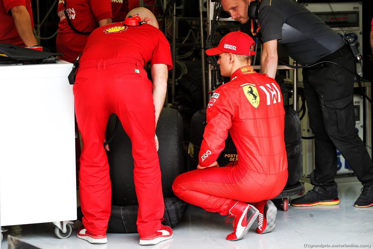 TEST F1 BAHRAIN 2 APRILE, Mick Schumacher (GER) Ferrari Test Driver with Jock Clear (GBR) Ferrari Engineering Director. 02.04.2019.