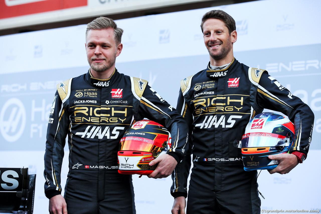TEST F1 BARCELLONA 18 FEBBRAIO, (L to R): Kevin Magnussen (DEN) Haas F1 Team with team mate Romain Grosjean (FRA) Haas F1 Team. 18.02.2019.