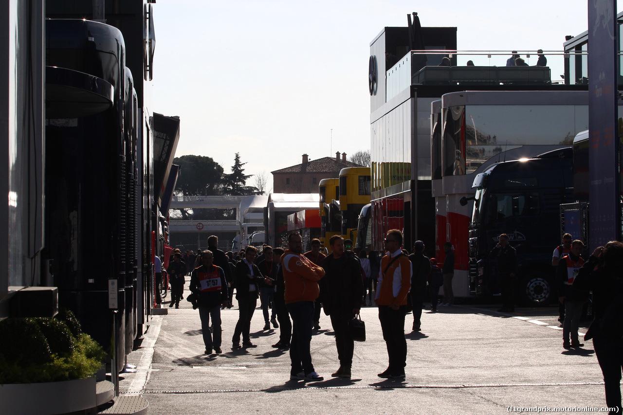TEST F1 BARCELLONA 19 FEBBRAIO, Paddock Atmosphere