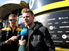 TEST F1 BARCELLONA 21 FEBBRAIO, Nico Hulkenberg (GER) Renault Sport F1 Team with the media. 21.02.2019.