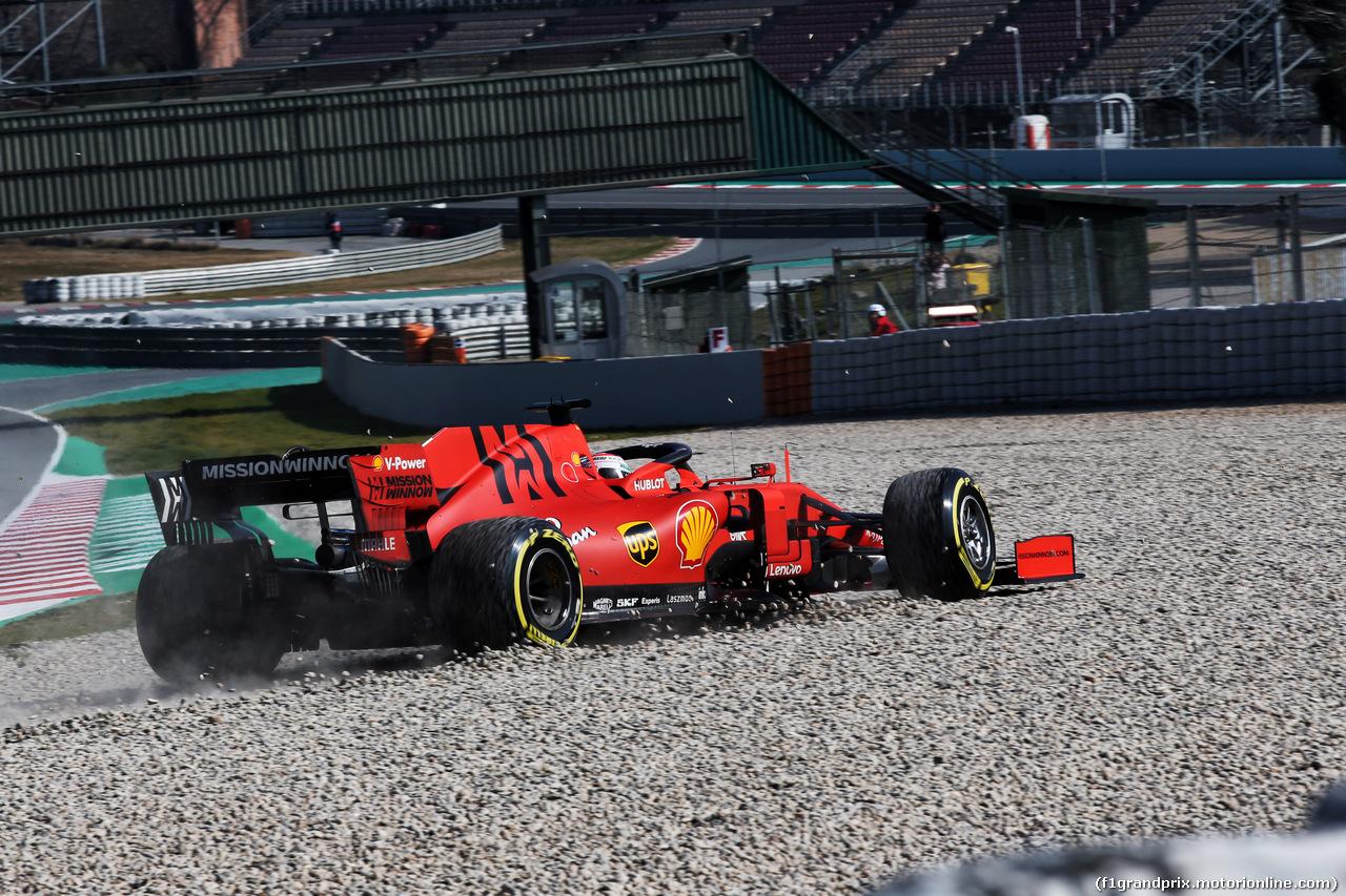 TEST F1 BARCELLONA 21 FEBBRAIO, Charles Leclerc (MON) Ferrari SF90 runs into the gravel trap. 21.02.2019.