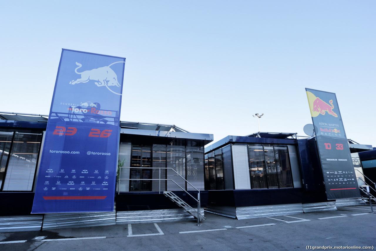 TEST F1 BARCELLONA 26 FEBBRAIO, Scuderia Toro Rosso e Red Bull Racing motorhomes in the paddock. 26.02.2019.