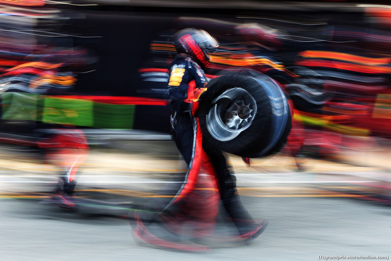 TEST F1 BARCELLONA 28 FEBBRAIO, Red Bull Racing practices a pit stop. 28.02.2019.