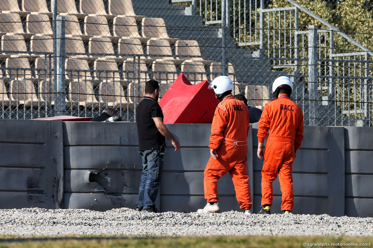 TEST F1 BARCELLONA 28 FEBBRAIO, Tyre barrier where Pierre Gasly (FRA) Red Bull Racing crashed. 28.02.2019.
