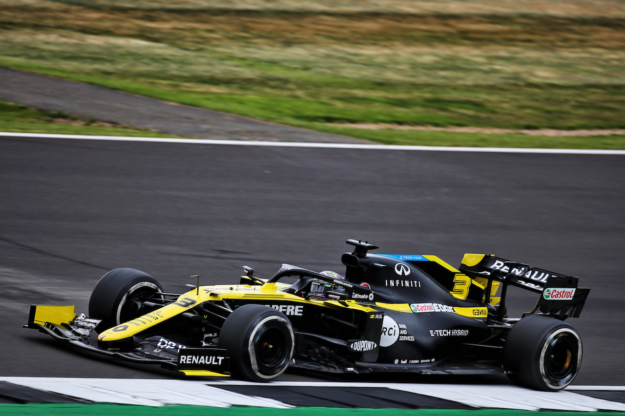 GP 70esimo ANNIVERSARIO, Daniel Ricciardo (AUS) Renault F1 Team RS20. 07.08.2020. Formula 1 World Championship, Rd 5, 70th Anniversary Grand Prix, Silverstone, England, Practice Day. - www.xpbimages.com, EMail: requests@xpbimages.com © Copyright: Batchelor / XPB Images