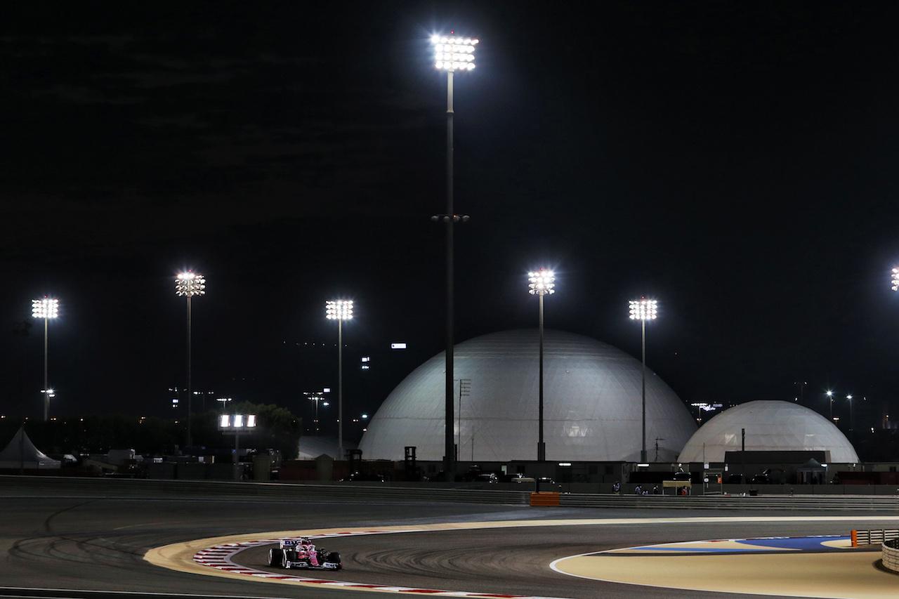 GP BAHRAIN, Sergio Perez (MEX) Racing Point F1 Team RP19. 28.11.2020. Formula 1 World Championship, Rd 15, Bahrain Grand Prix, Sakhir, Bahrain, Qualifiche Day. - www.xpbimages.com, EMail: requests@xpbimages.com © Copyright: Moy / XPB Images