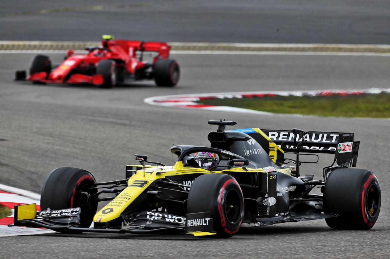 GP EIFEL, Daniel Ricciardo (AUS) Renault F1 Team RS20. 11.10.2020. Formula 1 World Championship, Rd 11, Eifel Grand Prix, Nurbugring, Germany, Gara Day. - www.xpbimages.com, EMail: requests@xpbimages.com © Copyright: Charniaux / XPB Images