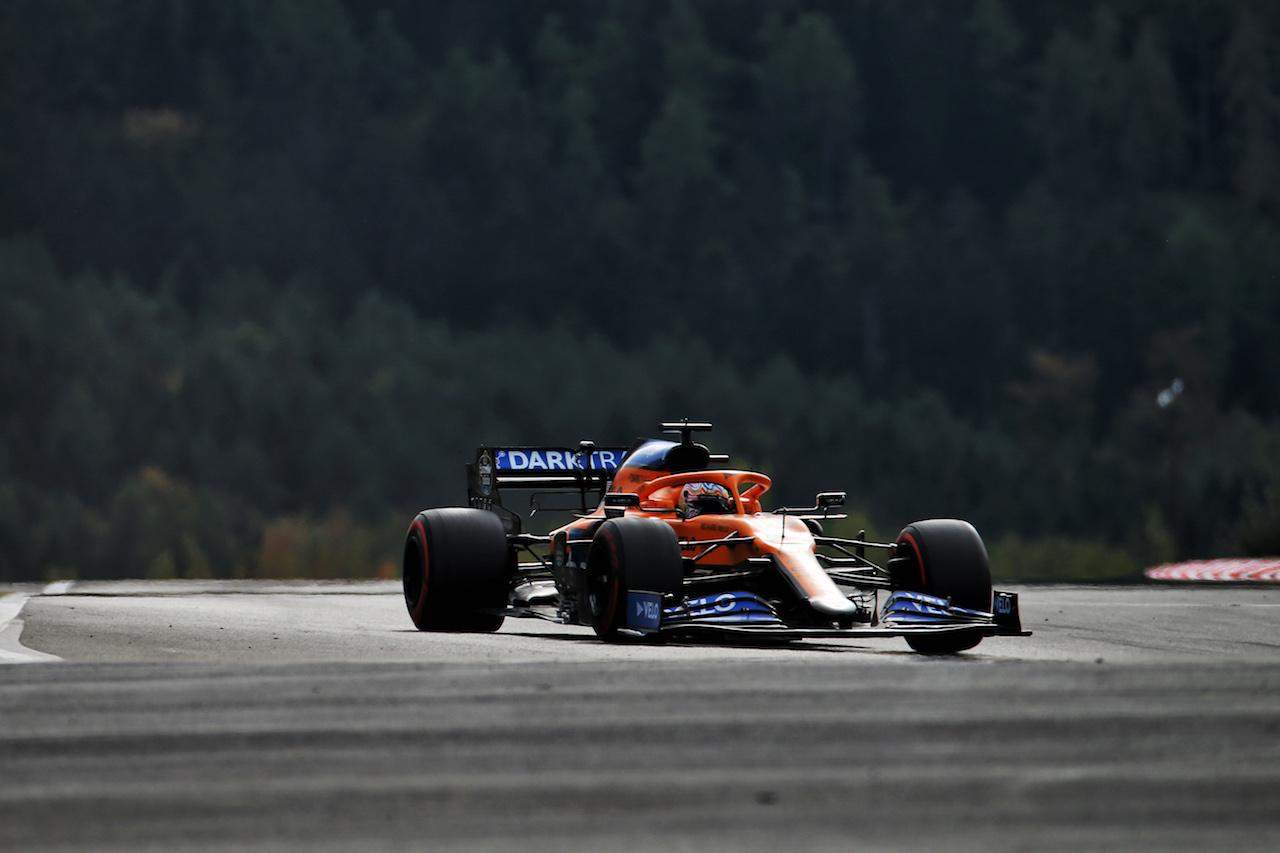 GP EIFEL, Carlos Sainz Jr (ESP) McLaren MCL35. 11.10.2020. Formula 1 World Championship, Rd 11, Eifel Grand Prix, Nurbugring, Germany, Gara Day. - www.xpbimages.com, EMail: requests@xpbimages.com © Copyright: Batchelor / XPB Images